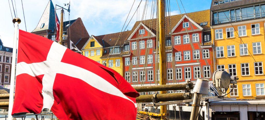Danmarks flagga i Köpenhamn.
